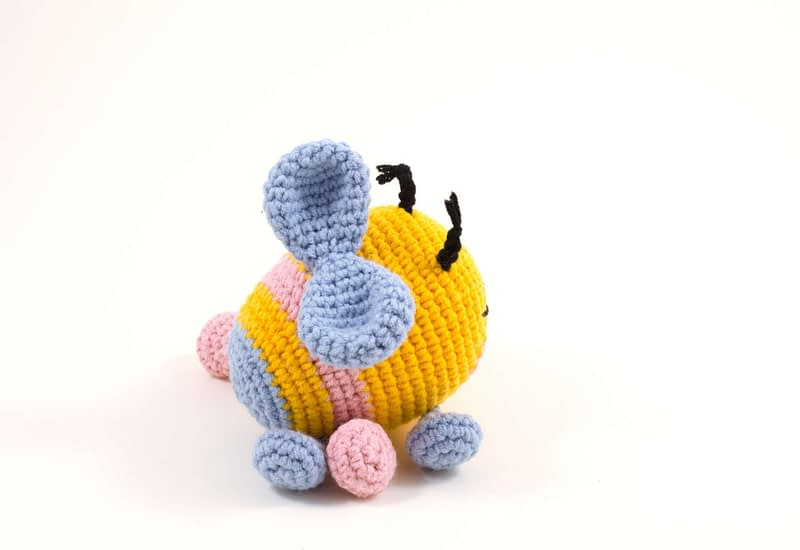 crochet bibi the bee side view