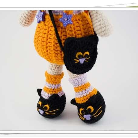 crochet halloween gilr shoes close up