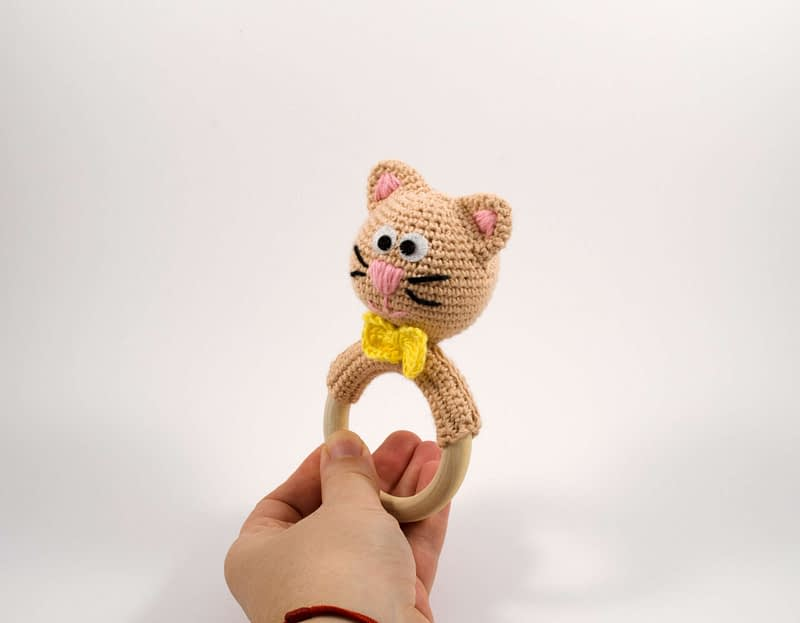 amigurumi cat rattle
