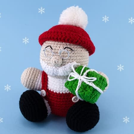 crochet santa claus front view