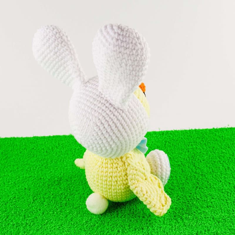 crochet easter chick back view
