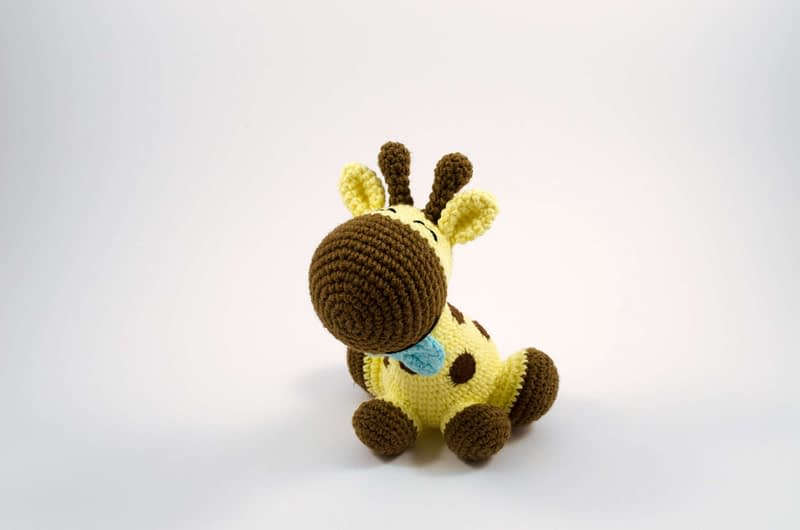 crochet happy the giraffe