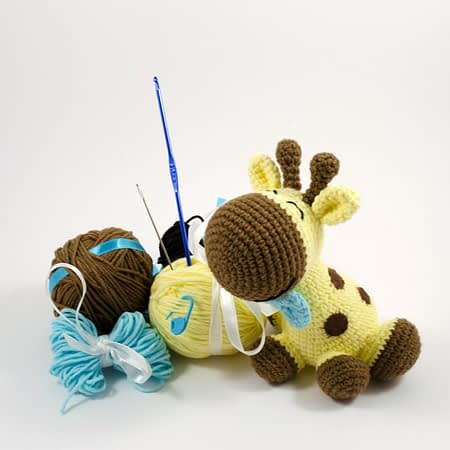 crochet giraffe DIY kit