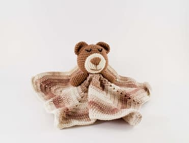 Free Teddy Bear crochet pattern - Amigurumi Today | 281x371