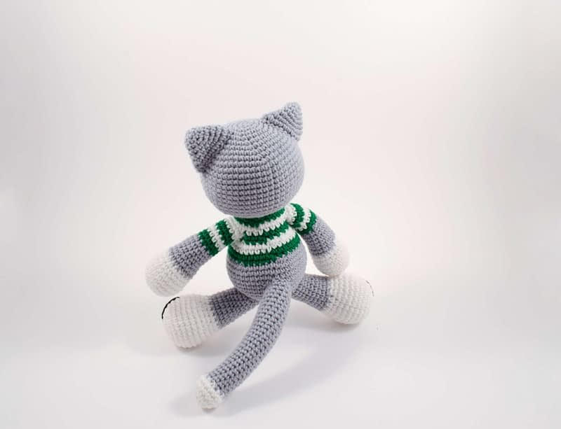 crochet Christmas cat elf back view