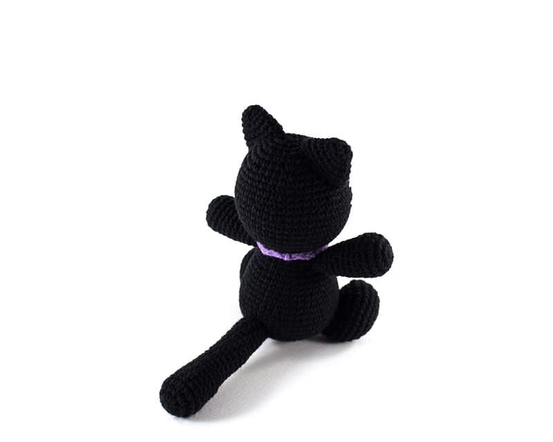 crochet black cat back view