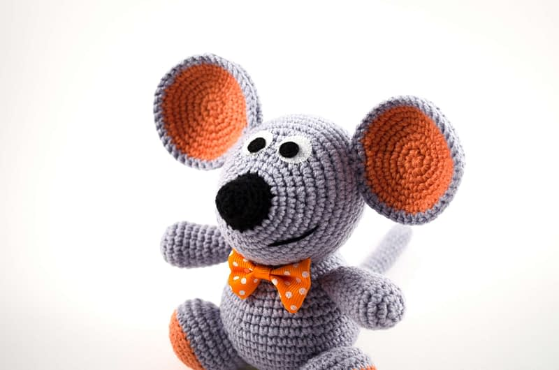 crochet gray mouse close up view