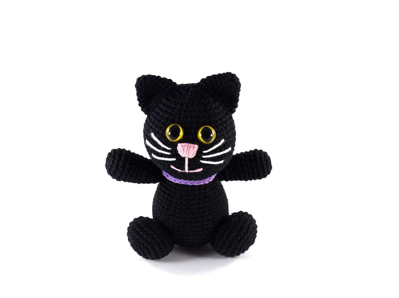 crochet balck cat front view