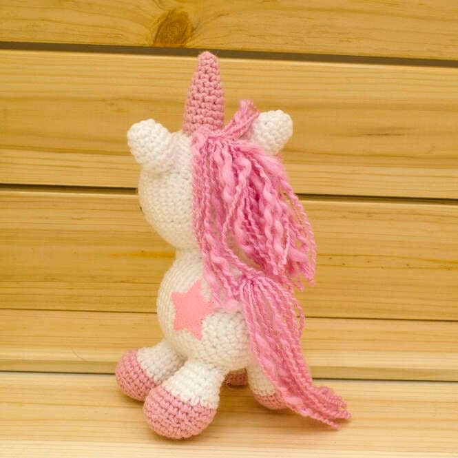 amigurumi pink unicorn back view