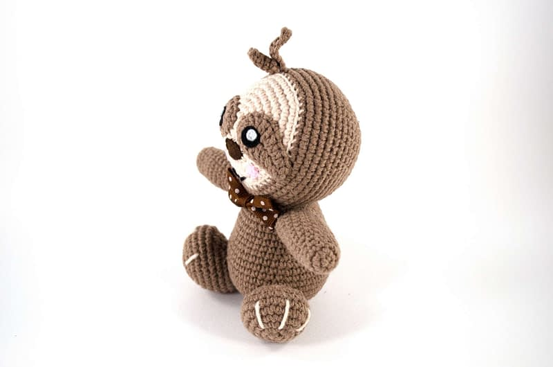 crochet little sloth side view