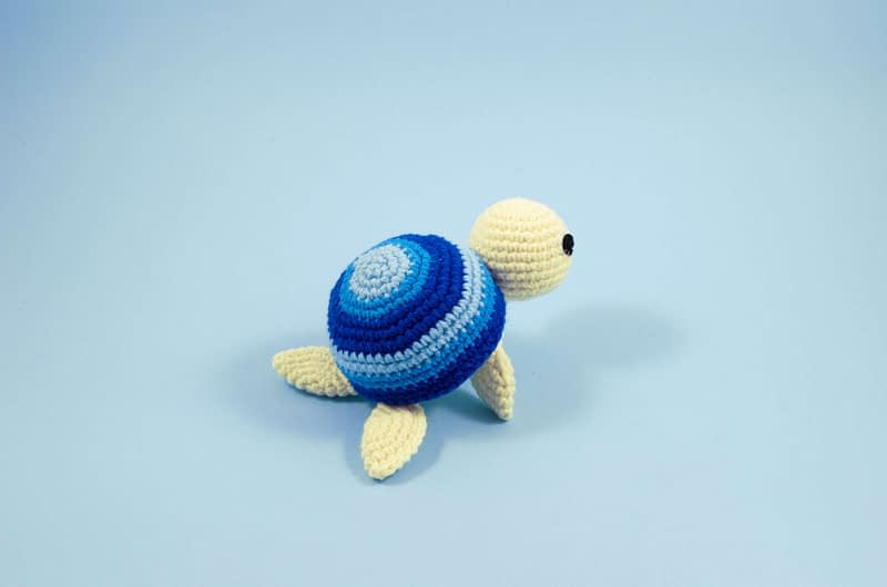 crochet turtle toy back view