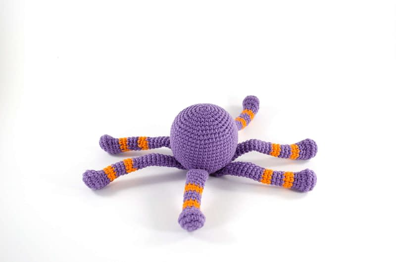 crochet spooky spider side view