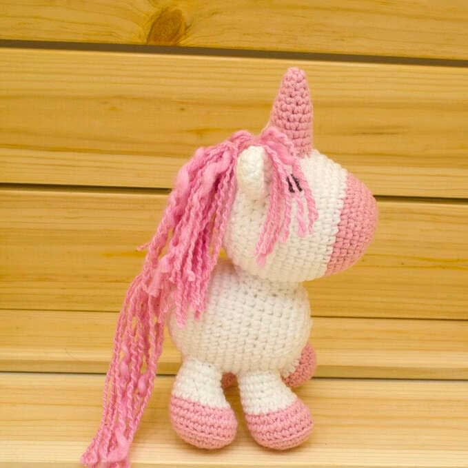 amigurumi pink unicorn side view