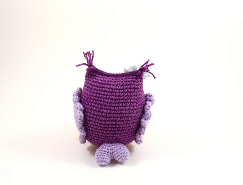 amigurumi purple owl back view
