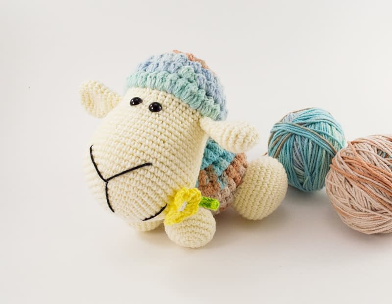 amigurumi woolu the sheep front view