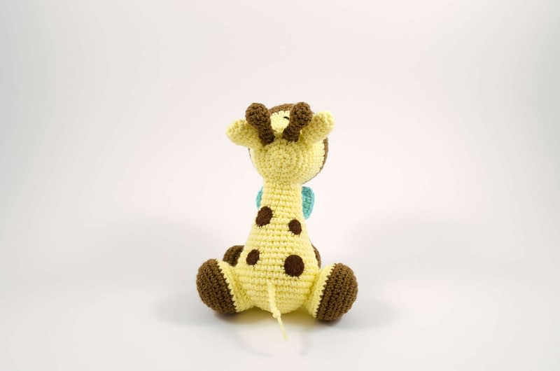amigurumi giraffe back view