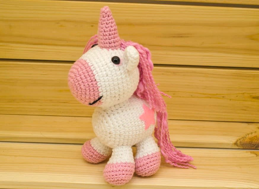 5 Little Monsters: Crocheted Unicorn Hat with Flowers | 638x874