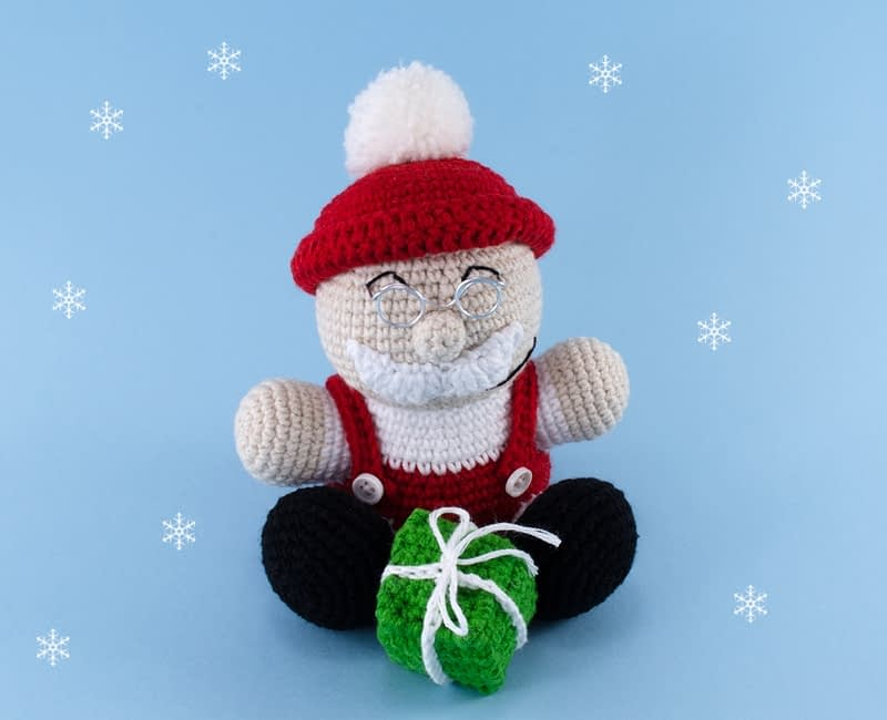 crochet santa claus doll front view