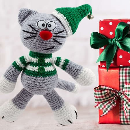 crochet Christmas cat elf