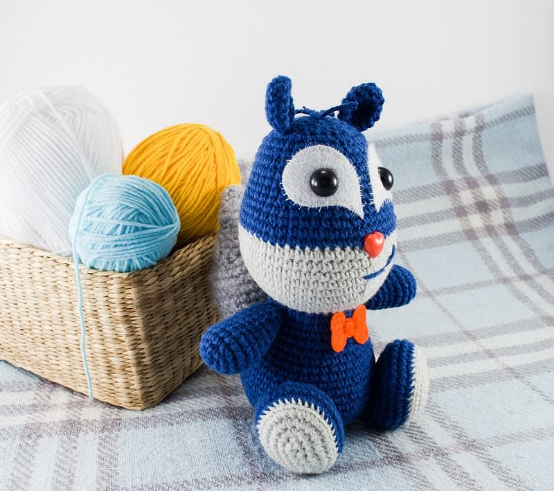 crochet blue squirrel side view
