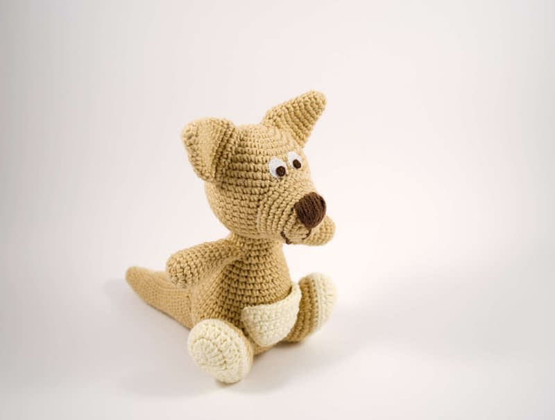 crochet brown kangaroo side view