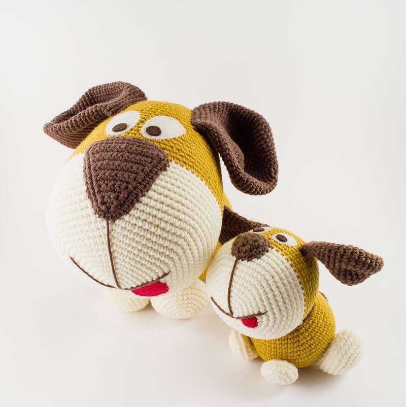 two amigurumi dogs