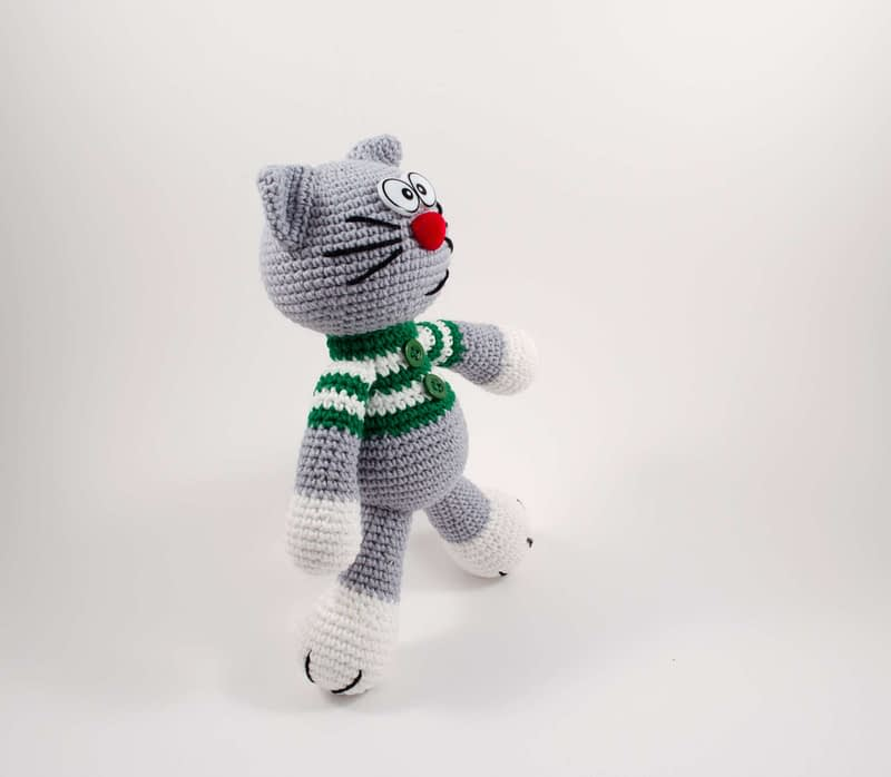 crochet Christmas cat elf side view