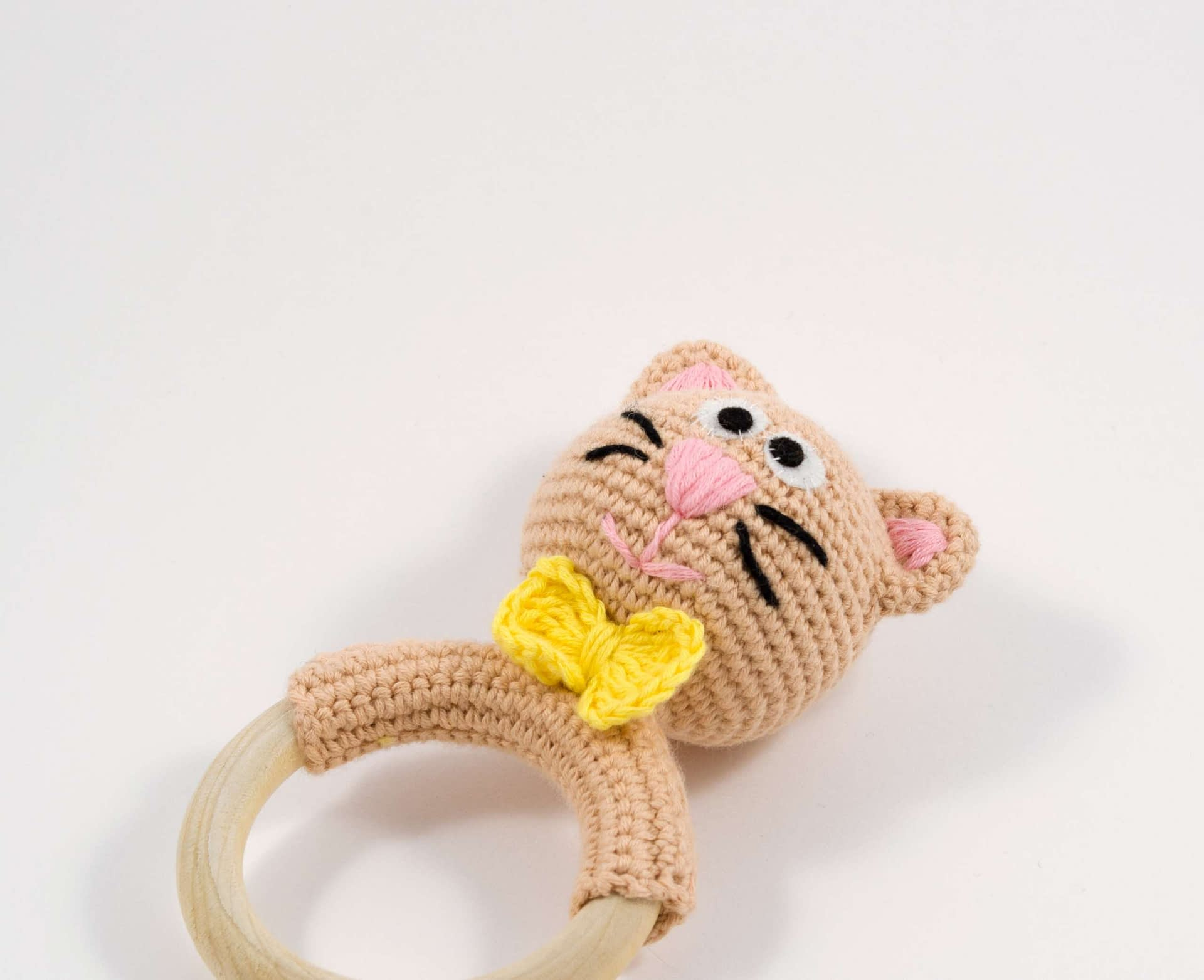 How to start the piece with a magic ring | amigurumi basics ... | 1563x1920