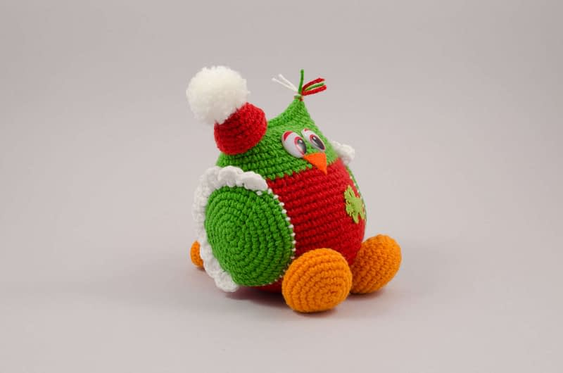 amigurumi christmas owl side view