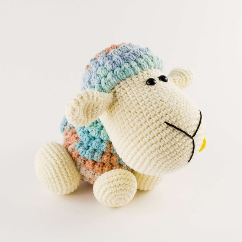 amigurumi wooly the sheep side view
