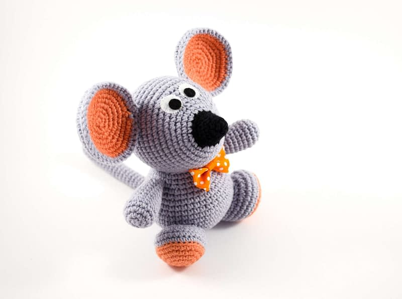 crochet gray mouse side view