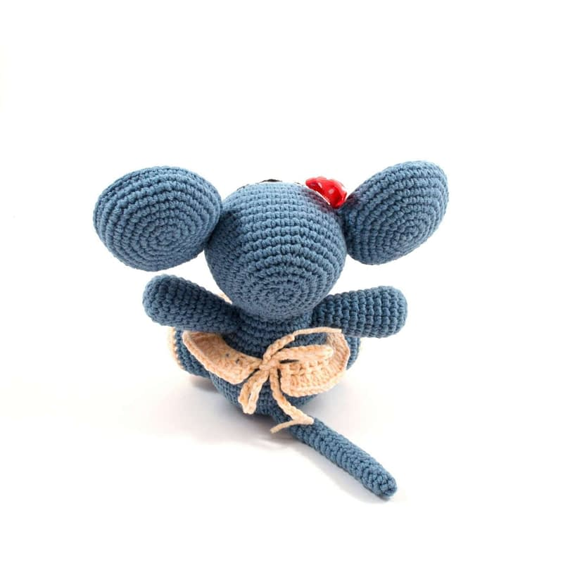 amigurumi mouse doll back view
