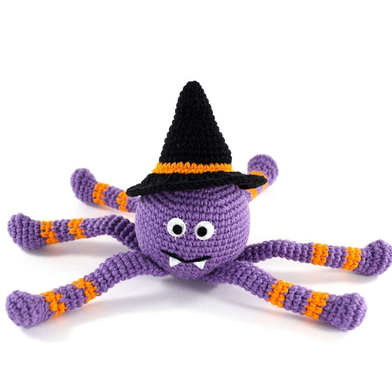 crochet spooky spider with hat