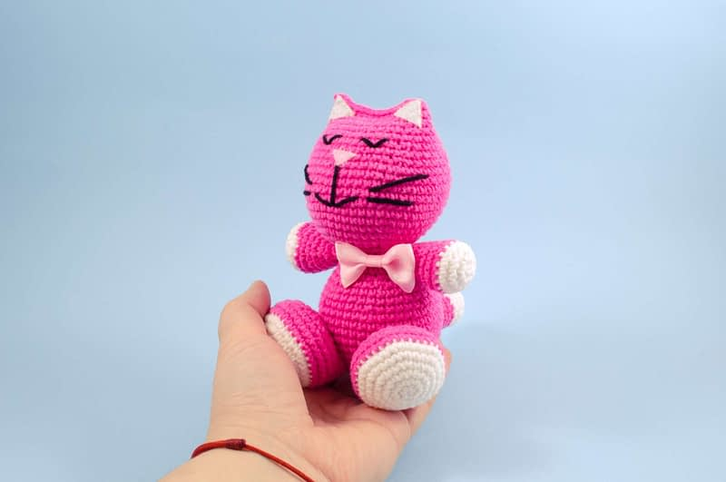 pink kitty with bow