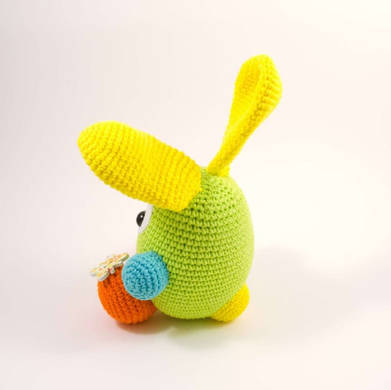 crochet easter bunny side view